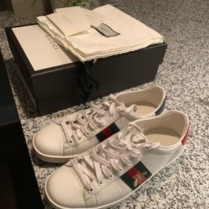 Authentic gently worn Gucci Bumblebee Sneakers